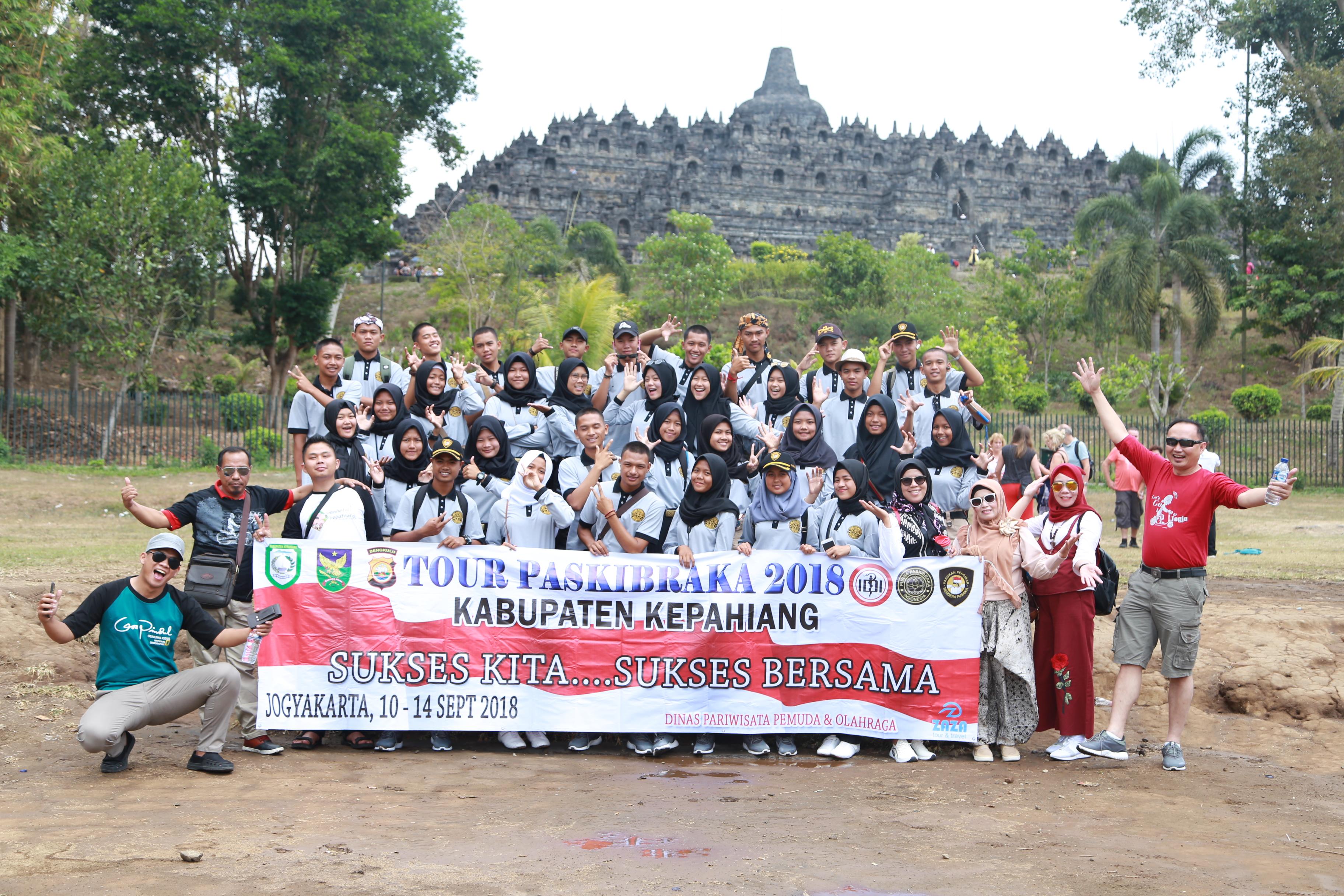 Paket Wisata Dan Tour Jogja Sewa Travel Bus Hiace Trip Bali 3h2m